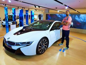 BMW Welt and Museum - An Automobile's Love Affair <3 :)