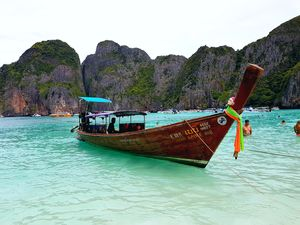 #BestOfTravel Phuket's wild fantasy : Phi Phi island , Maya bay and Blue Lagoon :)