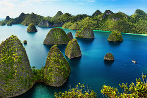 Indonesia Beyond Bali: Dragons, Living Dead, Active Volcanoes & Multi-Colored Lakes