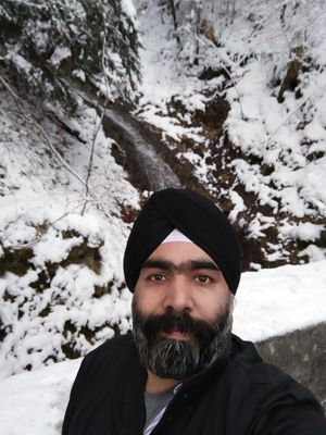 Snowcapped mountains... #SelfieWithAView #TripotoCommunity