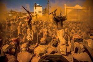 farande baba & the yellow devotees