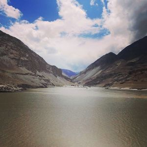 Breathtaking view of the mountains and Zanskar river.