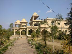 Bandhavgarh - Mowgli's Den