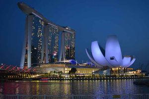 Singapore - A colourful treat to the explorer's eyes
