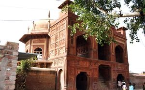 Explore India – Agra, Beyond Taj Mahal, The Unknown Monuments – 1