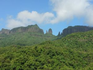 Mahuli Fort – An Ankle Twisting Climb to Thane's highest point