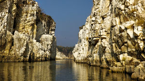 Bhedaghat − A Wonder Etched in Marble Canyon