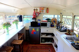 """The Brandy Bus: Living The """"Into The Wild"""" Life For A Day #quirkystay"""