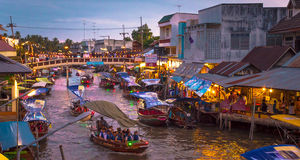 5 Floating Markets Of Bangkok That You Shouldn't Miss