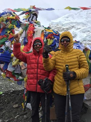 This Power Couple from Kashipur Just Trekked to Everest Base Camp Despite Being in Their 50s!