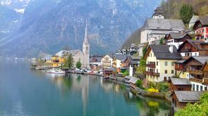 Hallstatt : Prettiest village in Europe