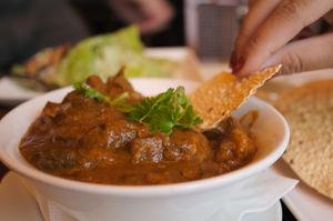 भारत की थाली: सभी राज्यों के सर्वश्रेष्ठ व्यंजन जिन्हें खाकर आप उँगलियाँ चाट जाएँगे