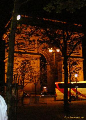 Arc de Triomphe 1/28 by Tripoto