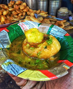 6 Street foods you should not miss in Varanasi
