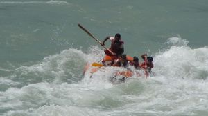 Adrenaline rush in the fierce River Teesta – White River Rafting Sikkim