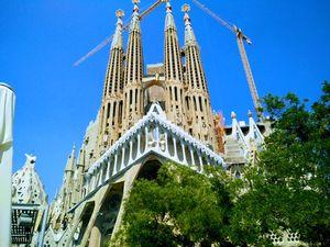 Sagrada Família 1/undefined by Tripoto