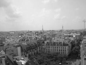 Paris When it Twinkles