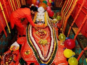 Bade Hanuman Ji Temple 1/undefined by Tripoto