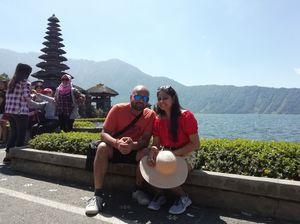 #honeymooners #Tanah Lot Temple