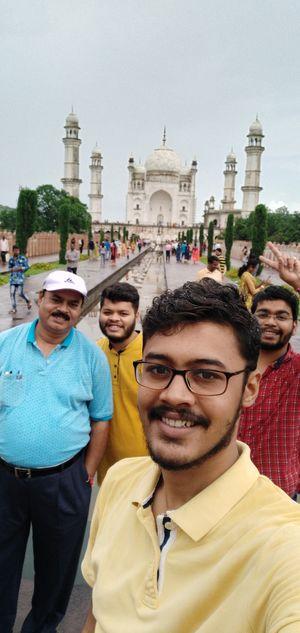 Dakkhani Taj and a Grand Grand Selfie !! ???? #SelfieWithAView #TripotoCommunity ????:- Vivo V9 ????