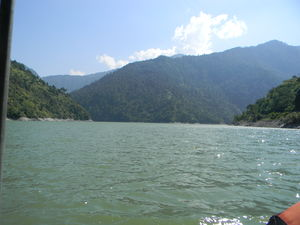 Chamera Dam Reservoire 1/undefined by Tripoto