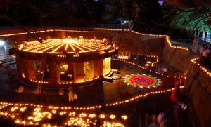 Pataleshwar Caves Temple : Strong, historic and proud place in Pune