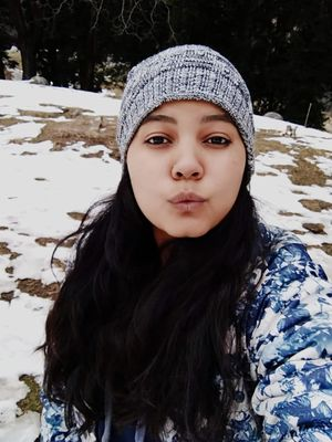 Snow-caped mountains melts a li'l when I give them a warm hug :-) #SelfieWithAView #TripotoCommunity