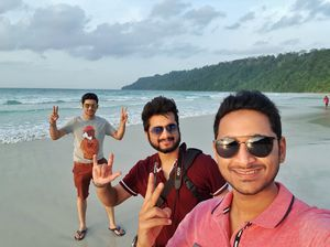Life is meant to be an adventure with close friends! #SelfieWithAView #TripotoCommunity