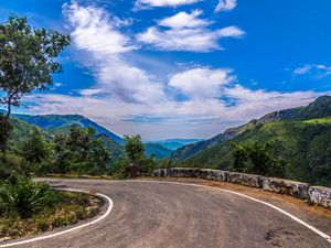 Curvy Roads that leads to Queen of Hills - #splendorjourney