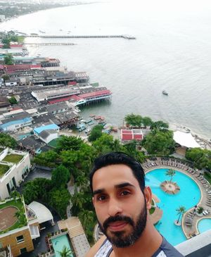 Udtay hue a Gaye thay huahin hilton #SelfieWithAView #Tripotocommunity