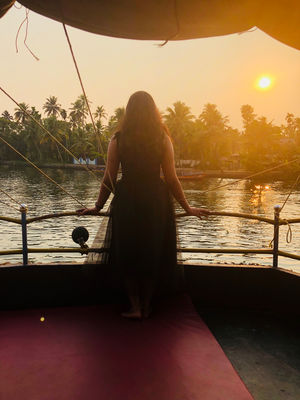 Why You Should Go On An All Girls Trip To Kerala!!