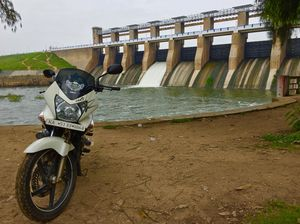 KRISHNAGIRI DAM | FAMILY PICNIC OR SHORT RIDE FROM BANGALORE | 100 KMS