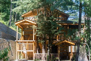 This Tirthan ValleyHomestay,Sitting In The Midst Of A Deodar Forest, Should Be Your Next Getaway