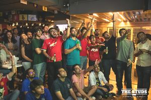 Top 10 Bars In Mumbai To Watch FIFA WC 2018 With A Big Screen And Flowing Drinks!