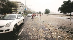 Mumbai's Trash Landing Up On Marine Drive Is A Reminder Of How We've Messed Up Big Time