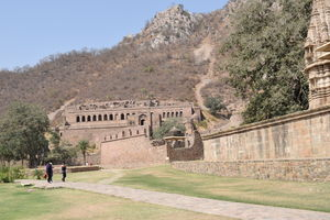 A trip to Bhangarh Fort...Into the childhood horror world.