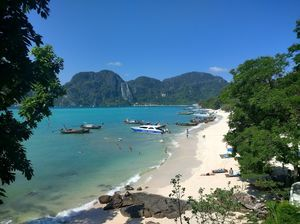 Phi Phi Island : The beauty crown of Thailand