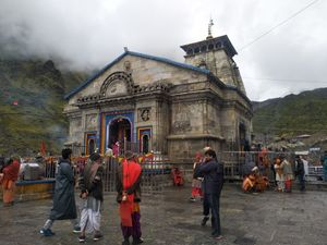 केदारनाथ यात्रा दिल्ली से ऋषिकेश Kedarnath Trip Delhi to Rishikesh - यात्री नामा