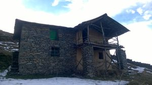 Saying hi to 2016 in the mountains – Trek to Mohinder's hut
