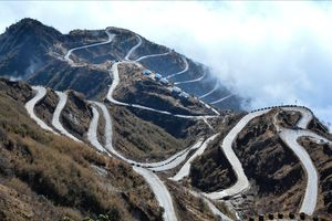 Journey through the winding roads - Dzuluk, Gnathang Valley - East Sikkim - Silk Route