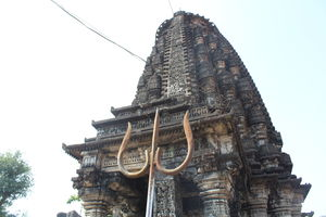 Amruteshwar Temple 1/2 by Tripoto