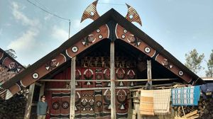 NAGALAND III: The Mithun and the Hornbill - Motifs and Wood Craft of Nagaland