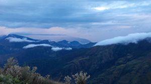 Parashar Lake: An easy trek through the Himalayas