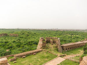 You will love Tughlaqabad fort in Delhi if you are a fan of History