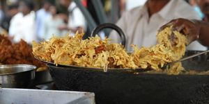 You can't miss these 6 street foods if you are in 'Aamchi Mumbai'