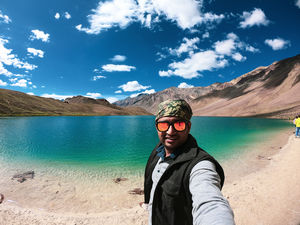 Wat else you expect from life if it is offering you such colours. #selfiewithaview #tripotocommunity