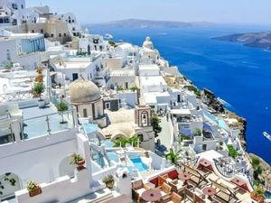 Scintillating Santorini...