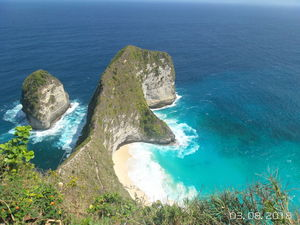 A Day Trip to Nusa Penida!