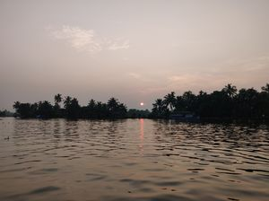 Is the Alleppey Houseboat experience overrated?