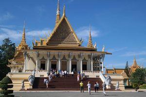 Exploring Phnom Penh in One Day